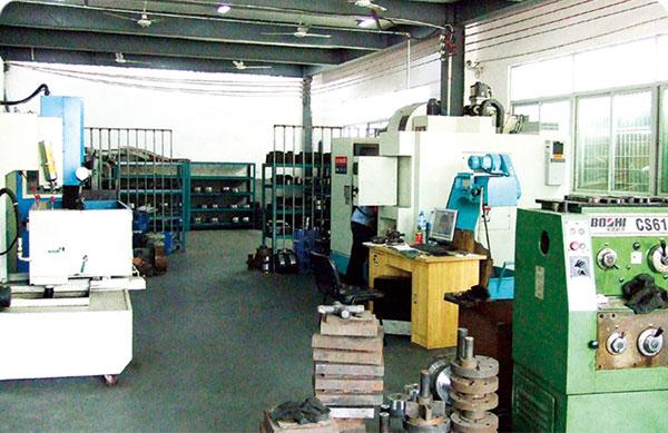 CNC模具加工中心
